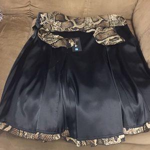 Dresses & Skirts - Black elegant skirt
